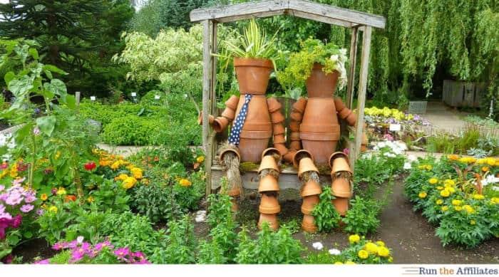 2 planter scarecrows in a Gardening Niche Market