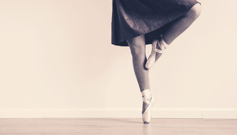 ballerina dancing legs and feet