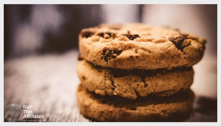 stack of 3 chocolate chip cookies close up